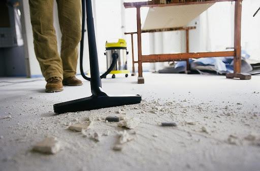 Verschmutzung durch Bauarbeiten – was sollen Sie machen?